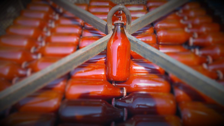 conserve artigianali: passato di pomodoro italiano