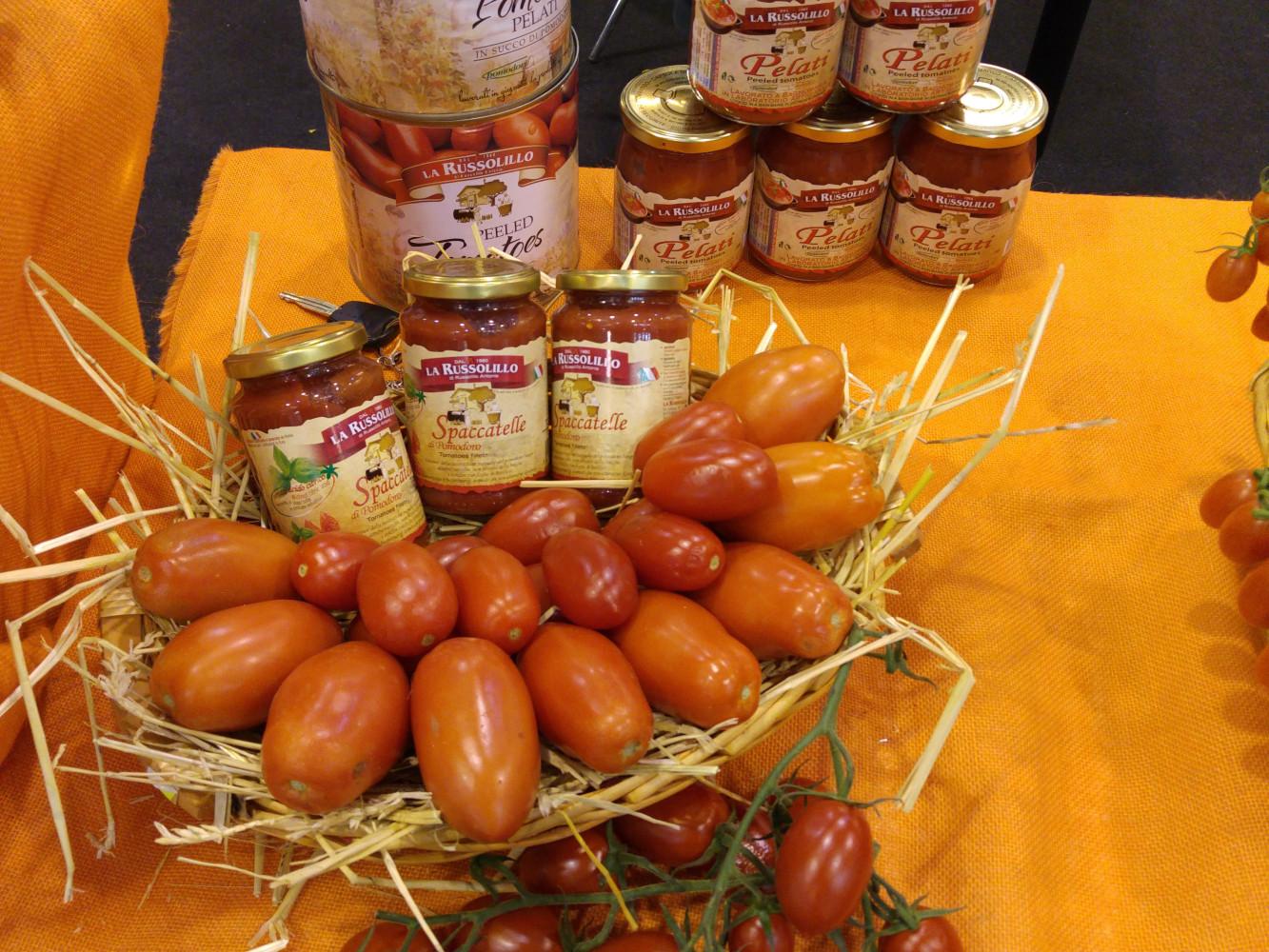 esposizione Conserve di pomodoro