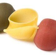 Pasta artigianale, trafilata a bronzo, lenta essiccaziione: forma lumaconi tricolore