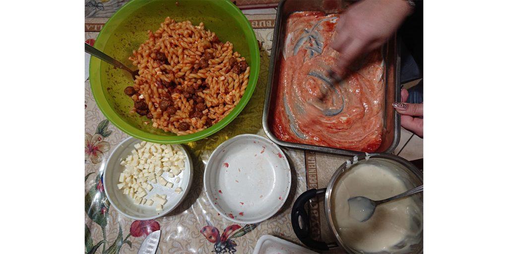 Pasta al forno - sugo al pomodoro e besciamella